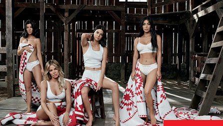Le sorelle Kardashian posano in intimo per Calvin Klein