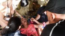 Le foto del malore di Francesca Cipriani all'Isola dei Famosi