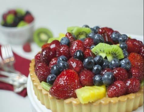 Crostata alla frutta e crema