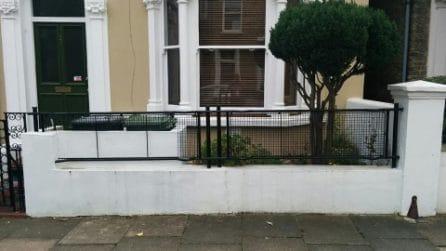 Le ringhiere londinesi fatte con le barelle della Seconda Guerra Mondiale