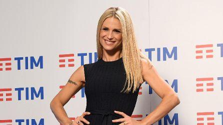 Michelle Hunziker a Sanremo: le foto del backstage e i look fuori dal palco