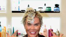 Il Ken umano va dal parrucchiere