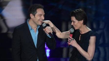 Claudio Santamaria e Claudia Pandolfi omaggiano Francesco Nuti al Festival di Sanremo 2018