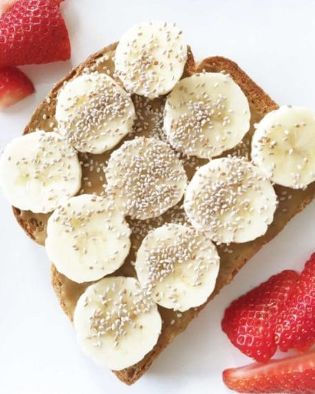 Chia seed toast with banana and peanut butter. Credit: http://theskinnyfork.com/blog/sunbutter-toast