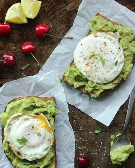 Avocado cream and fry eggs. Credit: http://simplegreenmoms.com/skinny-fried-egg-avocado-toast/