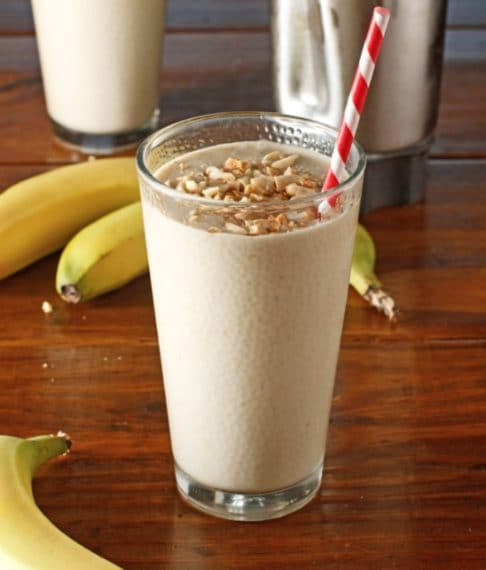 Banana and peanut butter smoothie. Credit: http://chubbyvegetarian.blogspot.it/2012/02/peanut-butter-banana-smoothie.html