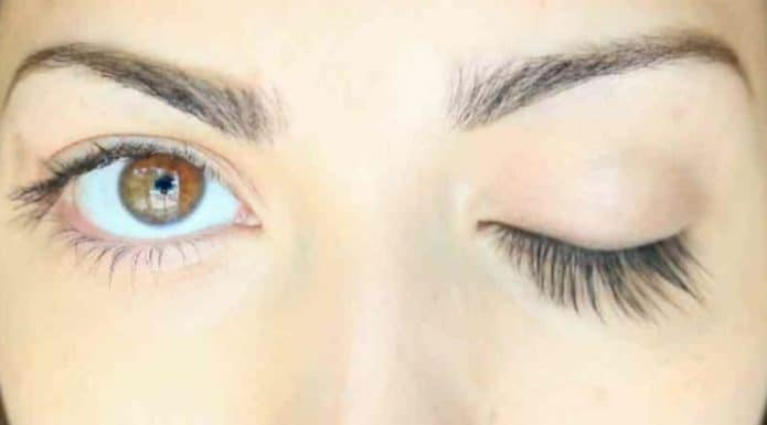 Mix coconut oil and vanilla essential oil to naturally lengthen your eyelashes. Credits: https://www.youtube.com/channel/UCB0d0JLn1WcGYcwwZ87d2LA