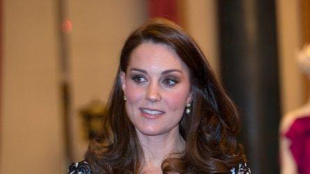 Kate Middleton: l'abito floreale le fascia il pancione