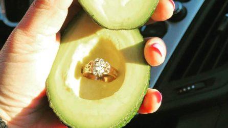 #AvocadoProposal, la proposta di matrimonio che impazza sui social