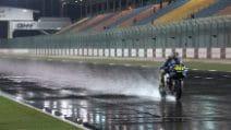 MotoGP sul bagnato in notturna in Qatar