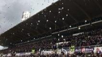 Fiorentina, il commovente minuto di silenzio per Davide Astori