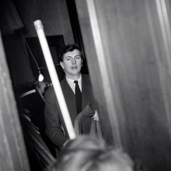 Nel backstage della sfilata per la collezione Primavera/Estate 1952