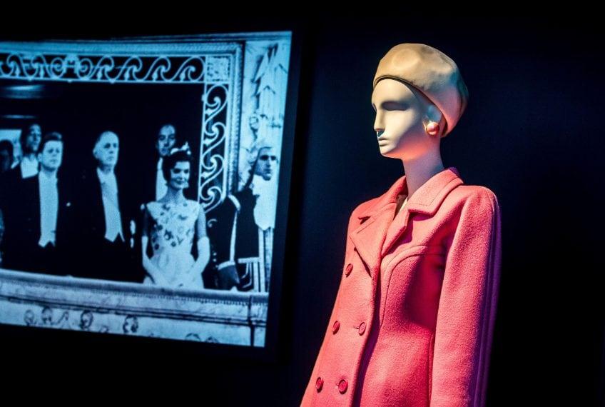 Uno dei look firmati Givenchy