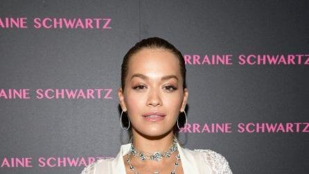Il nude look di Rita Ora