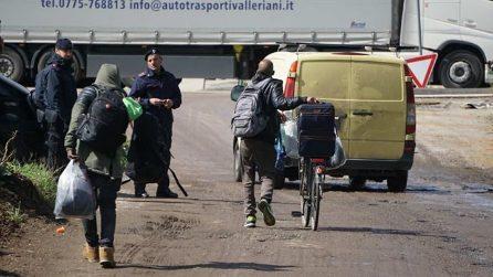 Sgombero in via Vannina: oltre cento migranti portati in questura