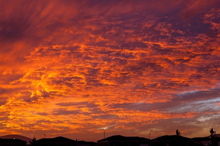 https://pixabay.com/it/tramonto-cieli-di-tramonto-nuvole-1641404/