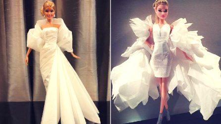 Con carta igienica e fazzoletti crea abiti da sposa per le sue bambole: il risultato è straordinario