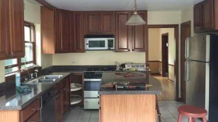 Nella nuova casa la cucina è troppo spoglia: da sola la trasforma in un ambiente da sogno