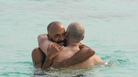 Amaurys Perez incontra il fratello Antonio sull'Isola dei Famosi, erano 4 anni che non si vedevano
