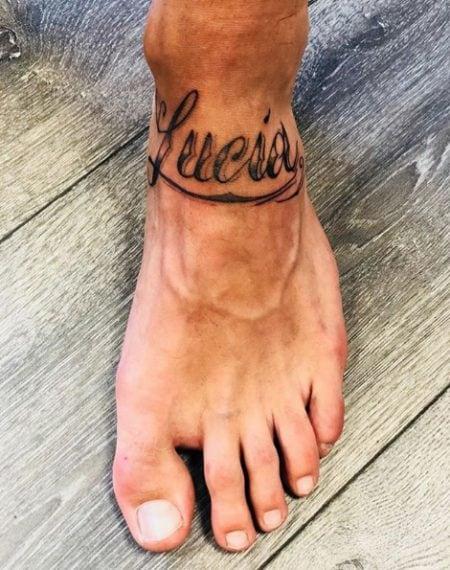 """È già amore da """"tattoo""""? Ricordiamo che la mamma di Filippo Contri si chiama Lucia, proprio come la Orlando. Quindi, male che va..."""