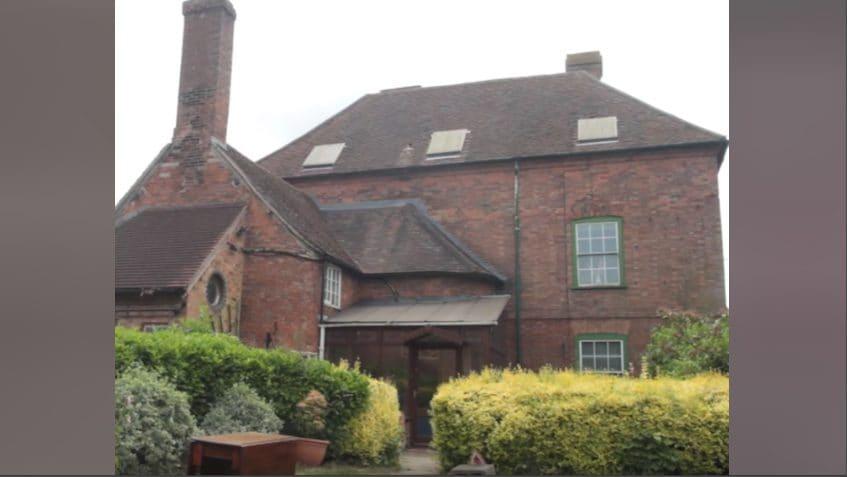 Jack e Audrey Newton sono cresciuti in questa casa, prima di andare via in giovane età