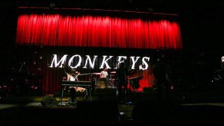 """Il boato di Milano per gli Arctic Monkeys tra classici e l'ultimo """"Tranquility Base Hotel & Casino"""""""