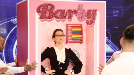 Barbara D'Urso come Barby Meghan Markle: la sigla del matrimonio reale al Grande Fratello 2018