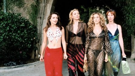 I 20 anni di Sex and the City in 20 look iconici