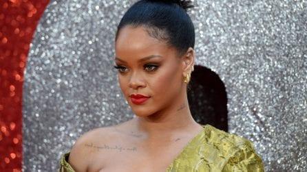 """Il look di Rihanna alla prima londinese di """"Ocean's 8"""""""