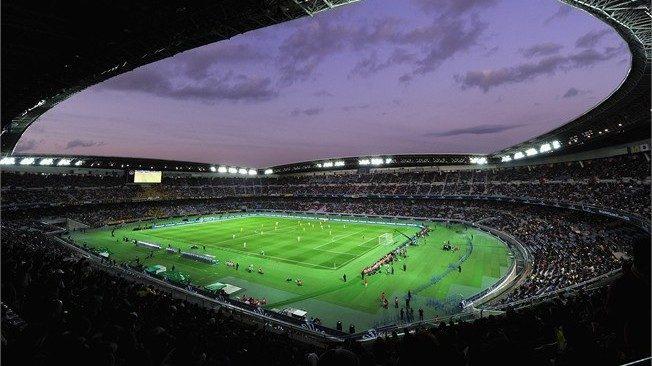 Lo stadio Nissan, o lo stadio internazionale di Yokohama, in Giappone, è stato lo stadio della finale Germania contro il Brasile dei Mondiali di Calcio 2002. Lo stadio internazionale di Yokohama è stato progettato dal team diprogettisti, architetti e ingegneri MHS è può ospitare 72.000 persone. Sul quel campo Ronaldo ha segnato i gol che hanno definito il quinto titolo mondiale della Coppa del Mondo FIFA per il Brasile.