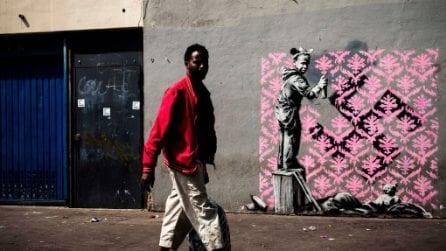 Le nuove opere di Banksy a Parigi sulla crisi dei migranti