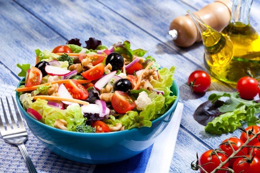 Una volta pronta l'insalata potete abbinarla con ciò che più vi piace.