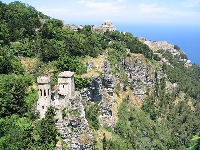 https://scn.m.wikipedia.org/wiki/File:Erice_Sicily_Italy_24.jpg