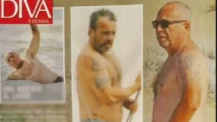 Il topless di Francesca Neri, al mare con Claudio Amendola