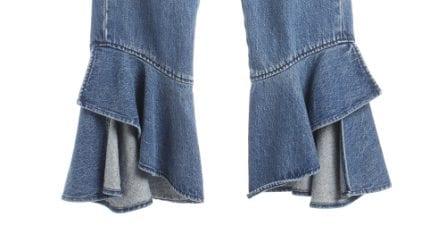 Ques'estate i jeans hanno i volant: 13 modelli da scegliere