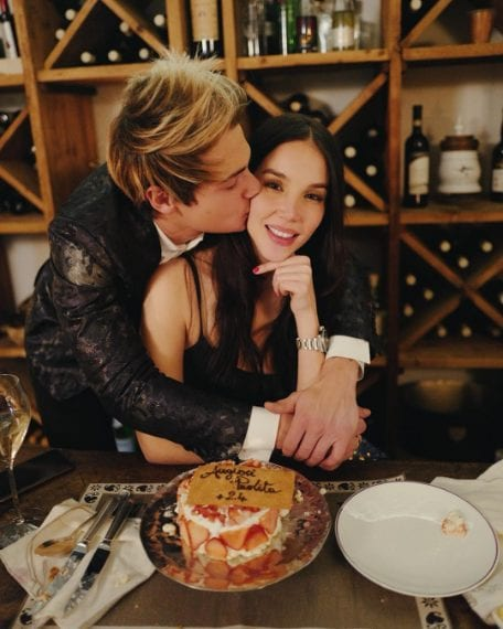 """Paola Di Benedetto ha compiuto 24 anni. La modella ha festeggiato in compagnia del fidanzato Federico Rossi. Sui social lo ha ringraziato: """"+24. Grazie a te per essere così incredibile...""""."""