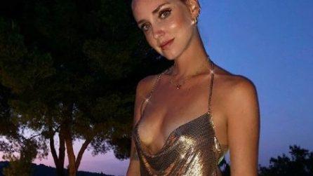 Dalla Sardegna a Ibiza, i look estivi di Chiara Ferragni