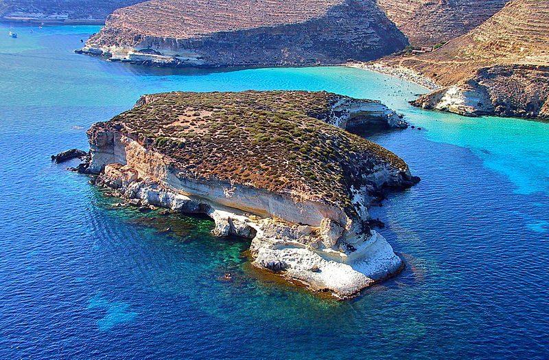 https://commons.wikimedia.org/wiki/File:Rabbit_islet_(Isola_dei_Conigli)_-_Lampedusa_-_3.jpg