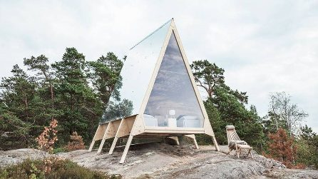 Questa piccola casa vi permette di vivere immersi nella natura a impatto zero