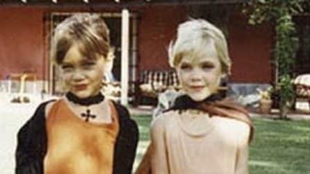 Ritorno al futuro: dopo anni queste due bambine scattano la stessa foto
