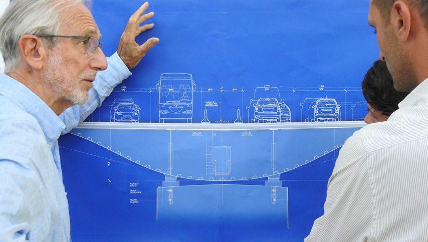 Renzo Piano in riunione con i suoi collaboratori Ph. Shunji Ishida