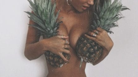 PineappleBoobs, la mania che spopola sul web