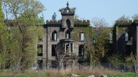 Non lontano da Manhattan c'è un'isola abbandonata dove nessuno può entrare