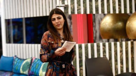 Grande Fratello Vip 2018, Francesco Monte consegna una lettera a Giulia Salemi