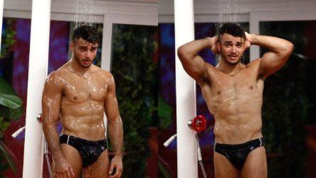 Grande Fratello Vip 2018, la doccia sexy di Fabio Basile