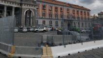 Piazza Plebiscito, auto in sosta nel cantiere Linea 6