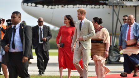Meghan Markle in rosso per la visita a Tonga