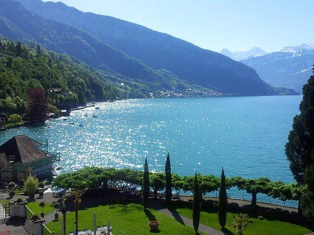 https://pixabay.com/it/thun-svizzera-cantone-di-berna-sun-712860/