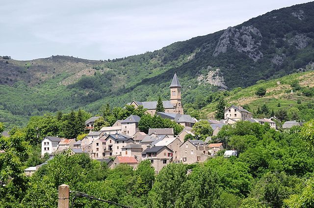 https://commons.wikimedia.org/wiki/File:Panoramic_view_of_Dourbies_in_the_Cevennes_mountains_-_panoramio.jpg