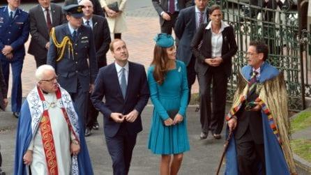 Kate Middleton ricicla l'abito blu per la terza volta
